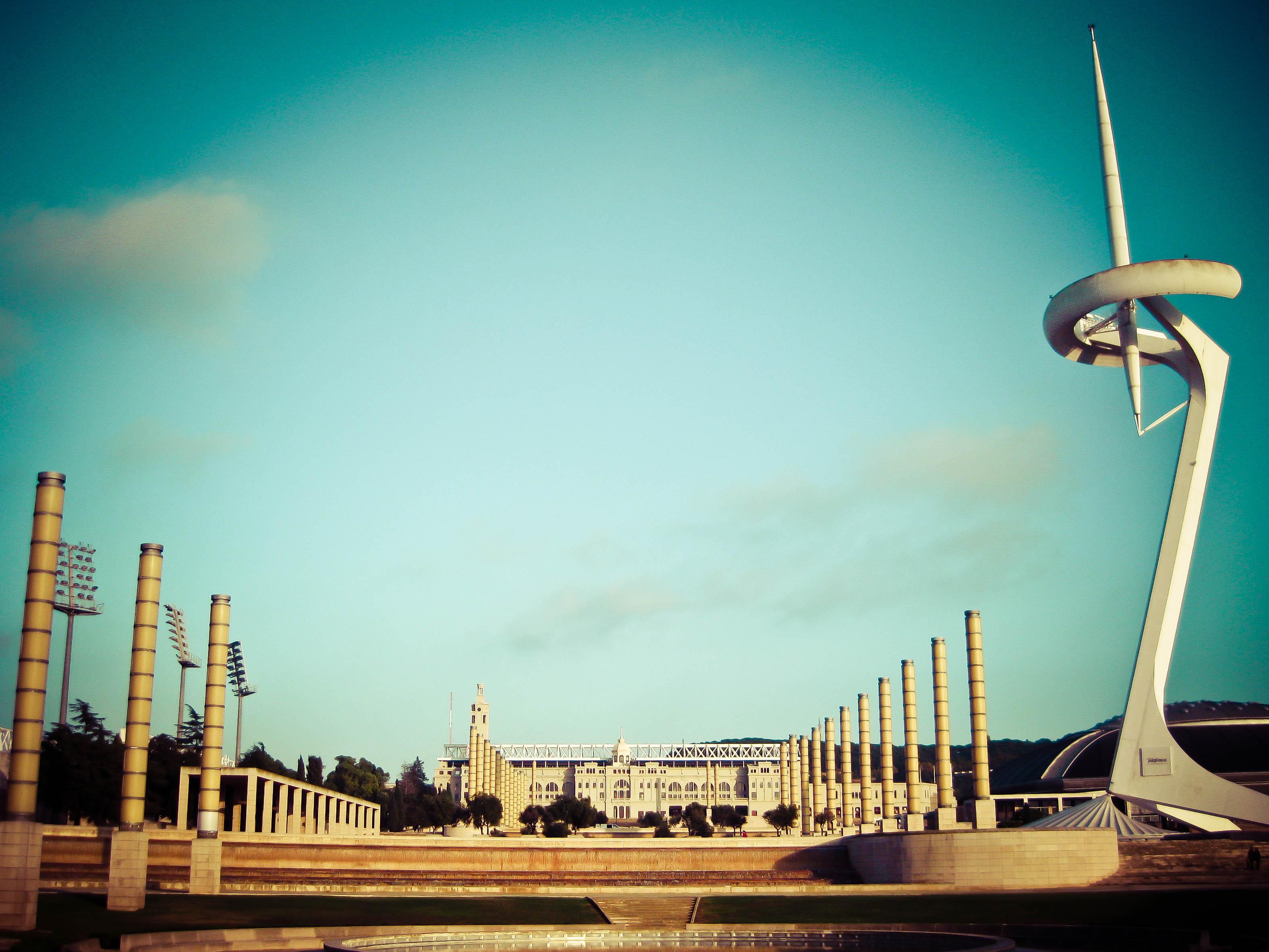 Torre-Calatrava-i-Estadio-Olimpico
