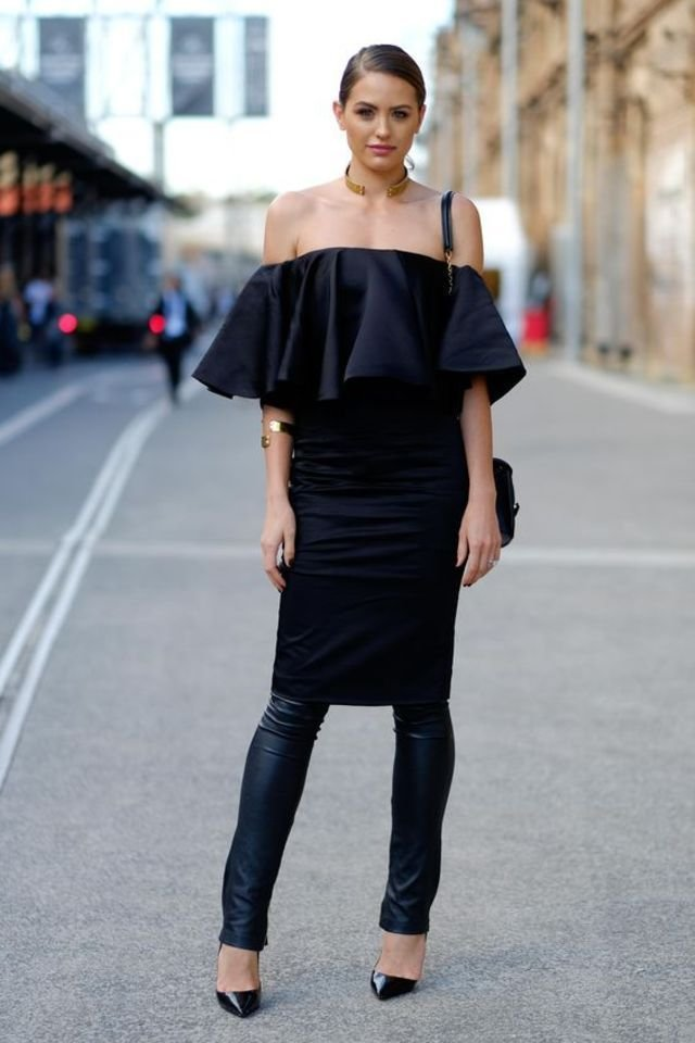 large_Fustany-Fashion-Style_Ideas-How_to_Wear_Dresses_Over_Pants-Trend-Street_Style-13