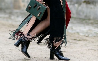 street-style-fashion-skirt-tassles-bag-1920x1080