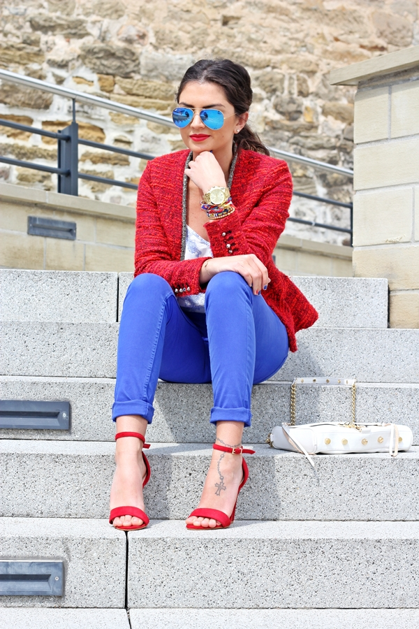 outfit-blue-red-zara-oasis-ray-ban-mirrorshades-rebeccaminkoff-streetstyle-fashionhippieloves-54