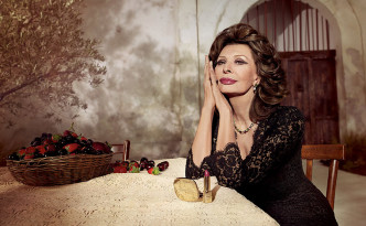 Dolce-Gabbana-Sophia-Loren-Lipstick-Campaign