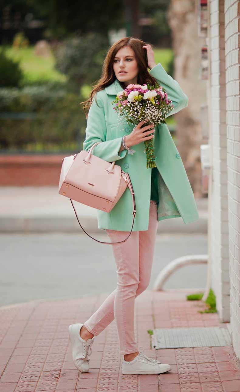 viktoriya-sener-fashion-blogger-from-istanbul-wearing-mint-romwe-coat-rebecca-minkoff-pink-bag-mr-gug-tshirt-street-style-4
