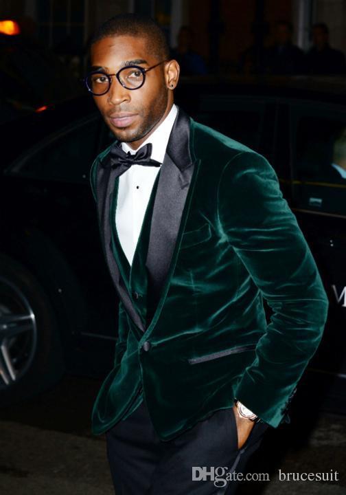 fashion-groom-wear-green-peak-lapel-velvet