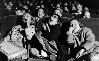 wayne-miller-children-at-the-cinema-1958