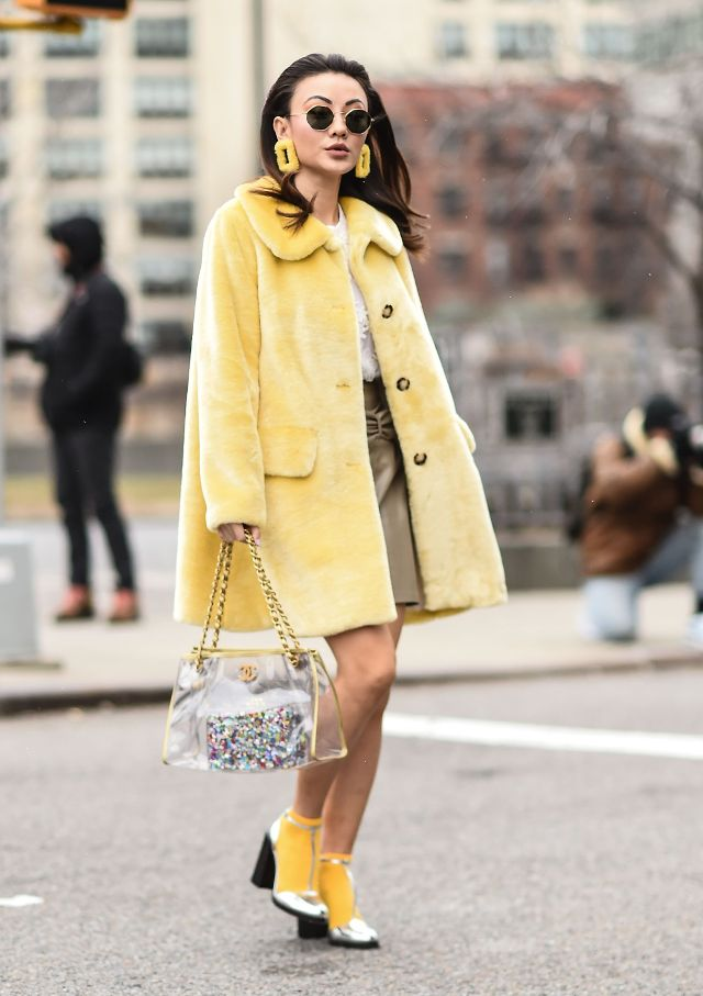 new-york-fashion-week-streetstyle-yellow-249258-1518474695385-main.640x0c
