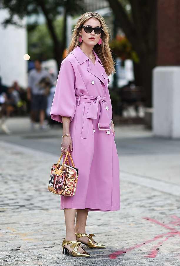 street style pink hat