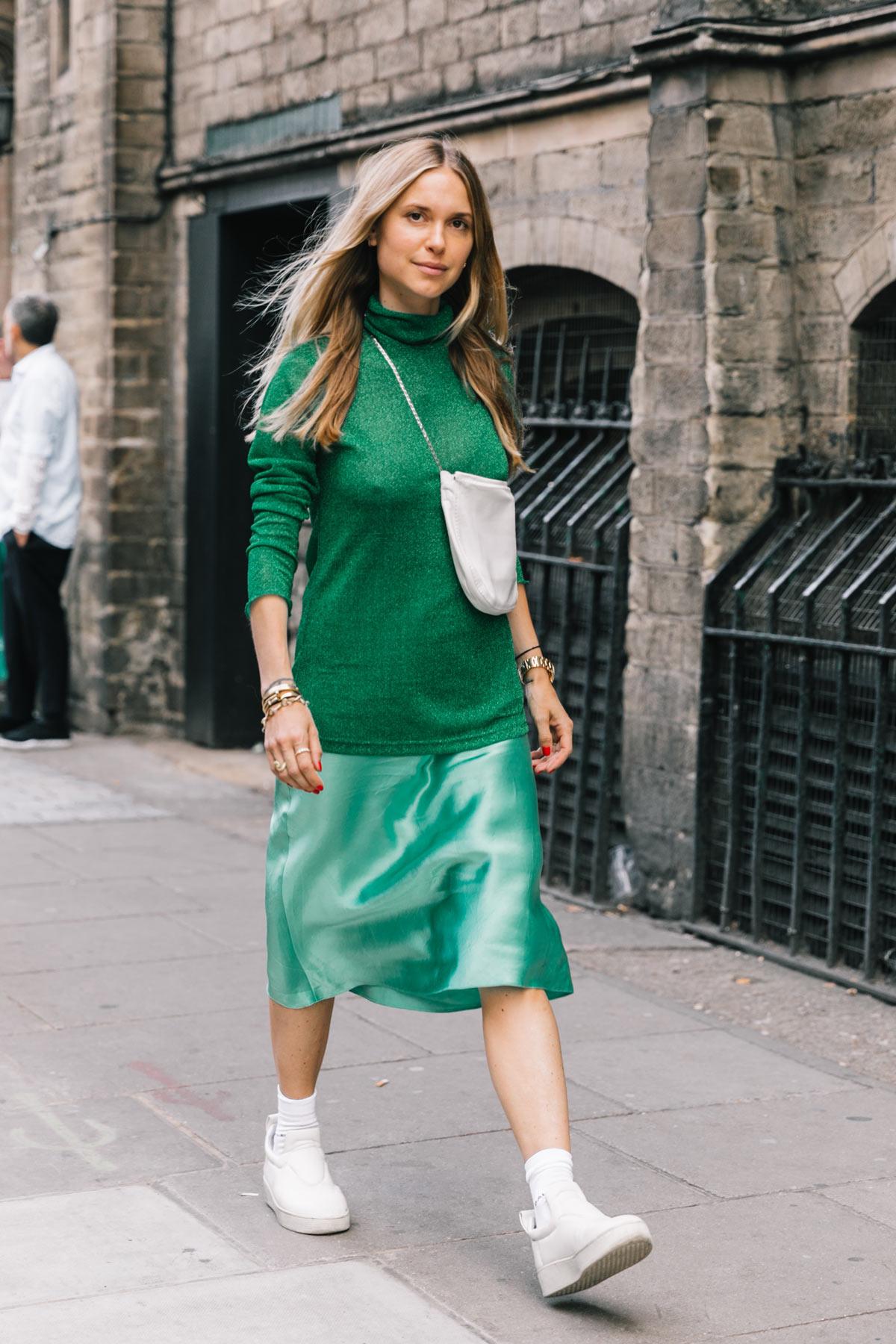 street_style_london_fashion_week_dia_2_mm6_maison_margiela_versus_versace_topshop_unique_990519760_1200x1800