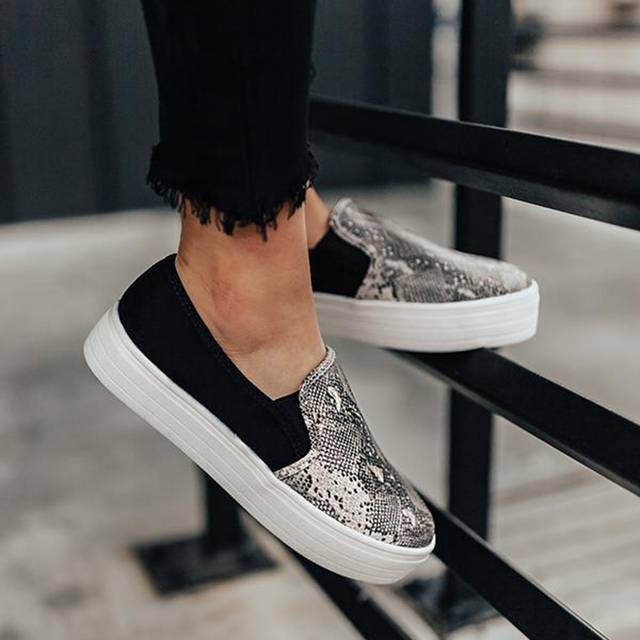 Women-flat-shoes-2019-new-female-leopard-snake-print-loafers-soft-bottom-one-pedal-lazy-shoes.jpg_640x640q70